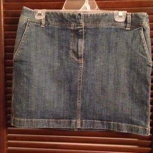 Women's Ann Taylor LOFT blue jean skirt size 8